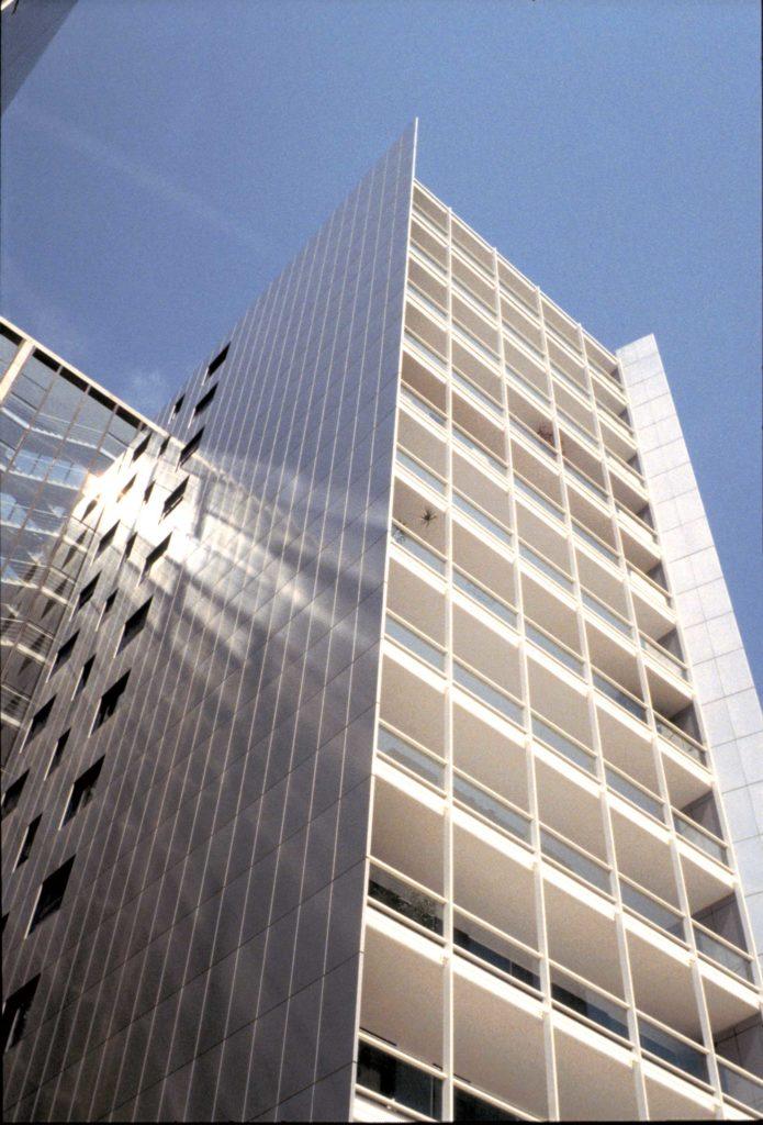 Residential building ottavio di blasi partners for Costo ascensore esterno 4 piani